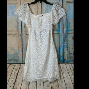 Material Girl Juniors XL Off-The-Shoulder Lace